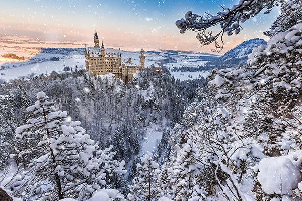 ship my winter gear to Neuschwanstein