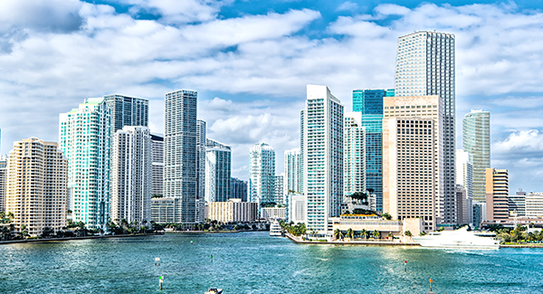 Taking a spring vacation to Miami, Florida using Luggage Free.