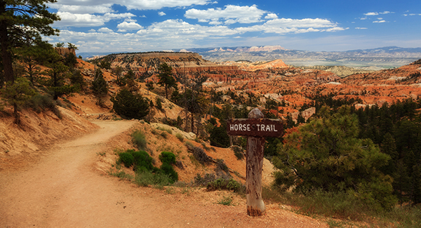 Using Luggage Free to enjoy spring vacation activities at Bryce Canyon.