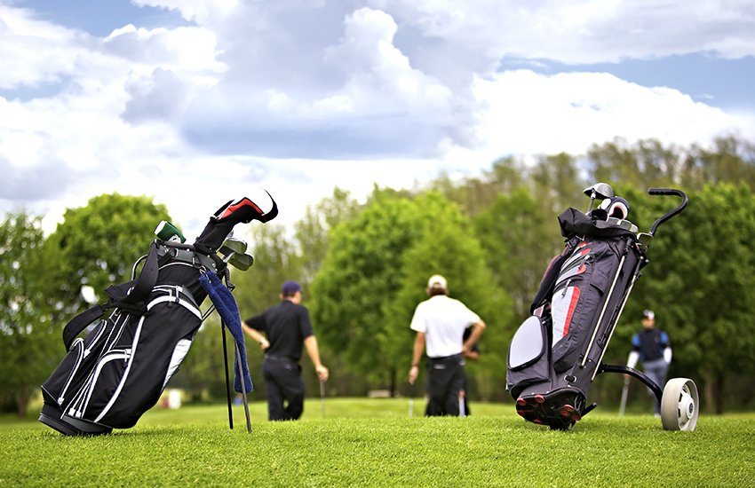 The cost to ship golf clubs with Luggage Free