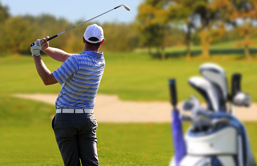 Traveling with golf clubs for a golf vacation
